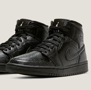 Air Jordan 1 Mid 'Black Snakeskin'